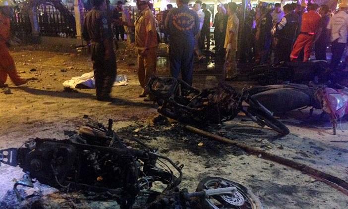 Explosión mata a 27 personas en el centro de Bangkok