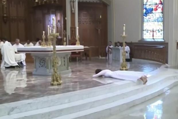 Se casa con Jesucristo ¡y se convierte en virgen consagrada!