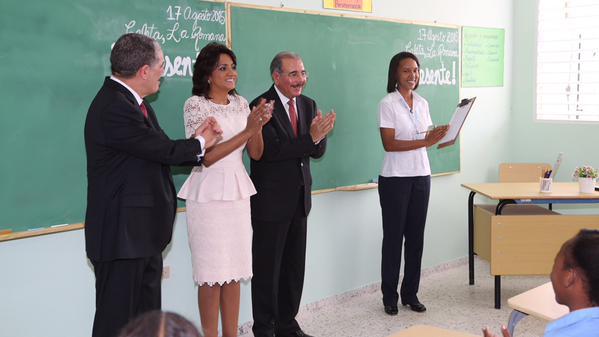 Danilo abre el nuevo año escolar en La Romana