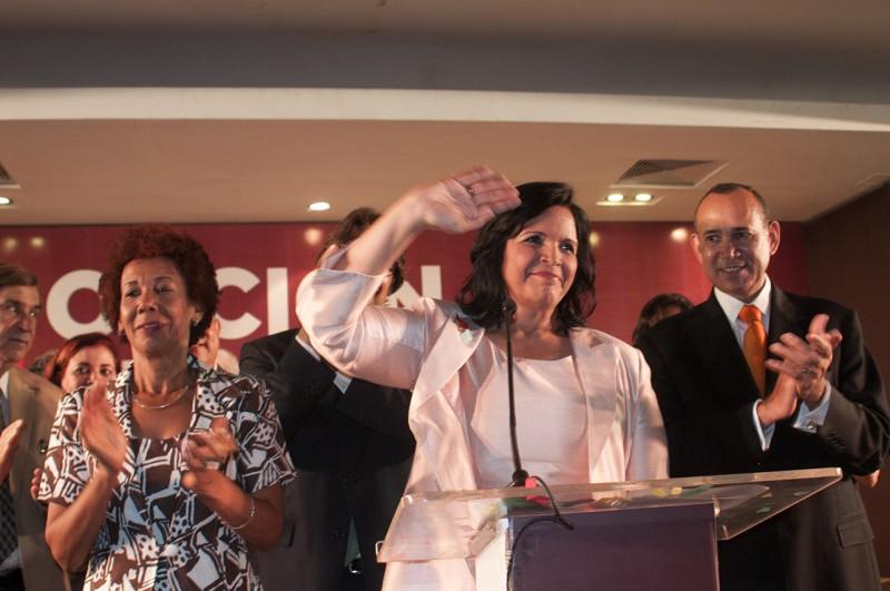 """Minou califica de """"obscena"""" la alianza PLD-PRD"""