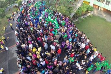 Cientos de peledeísta presenciaron la proclamación fuera del Olímpico