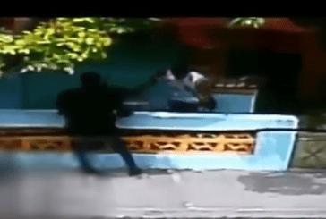 General ejecuta en plena calle atracador que momentos antes lo robó arma