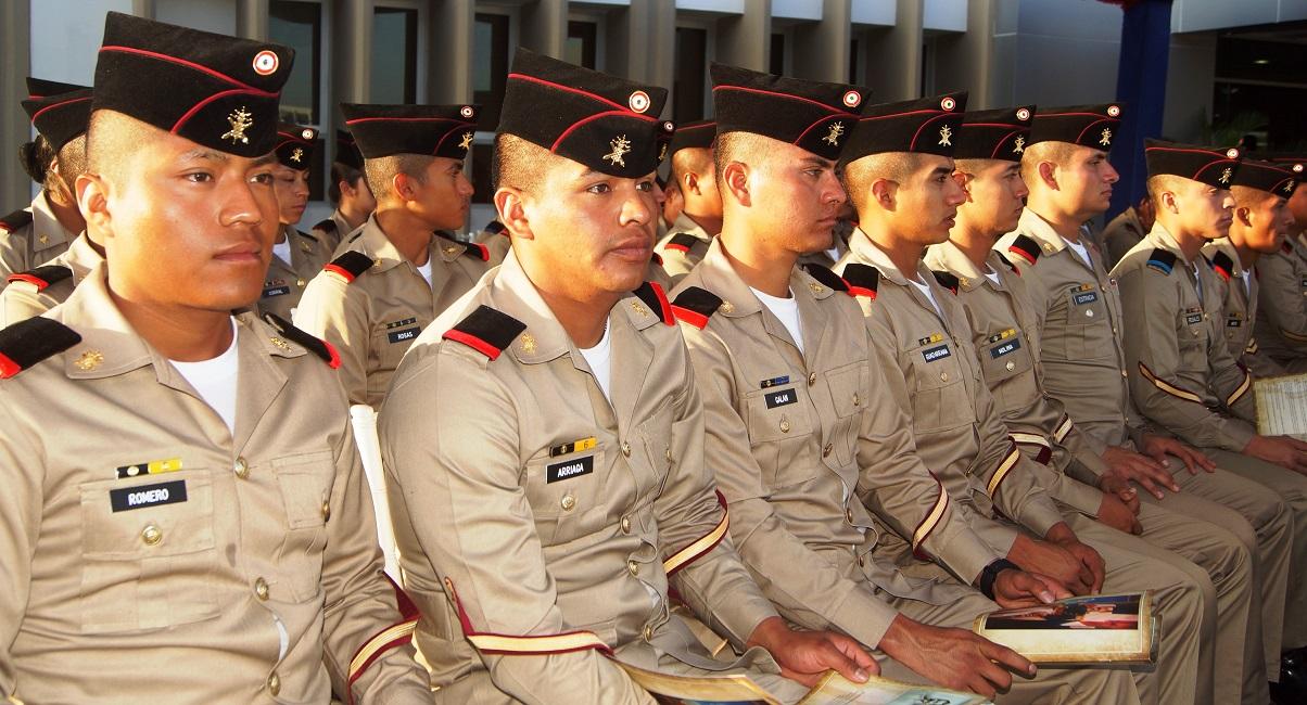 Delegación de militares mexicanos participa en ceremonia del bicentenario  de Mella