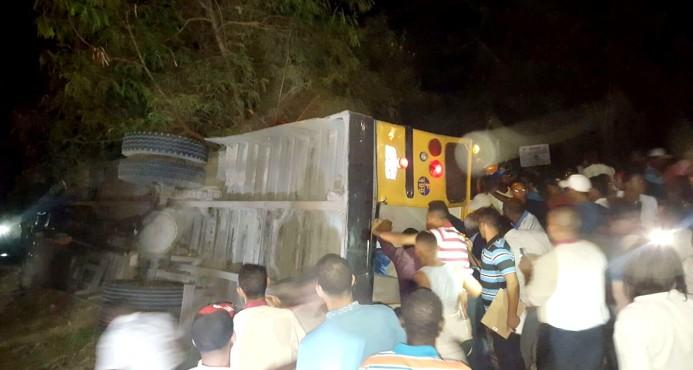 Choque entre un carro y autobús deja 25 heridos en Punta Cana