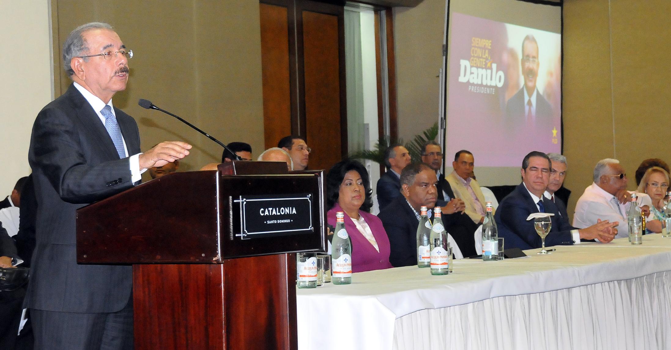 Medina preside asamblea con los dirigentes del PLD