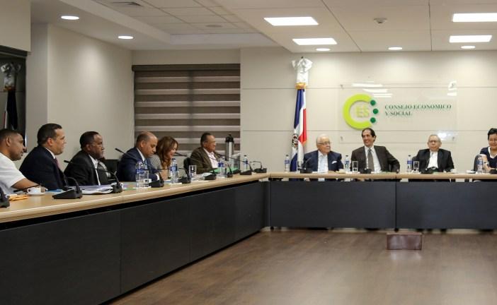 Encuentro Gobierno-Sindicatos busca consenso por Pacto Eléctrico