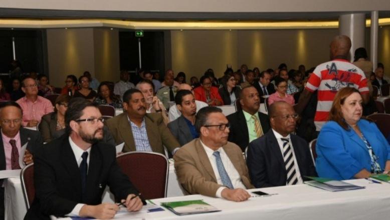 Empleados públicos están dispuestos a cambio de horario para mejorar tránsito