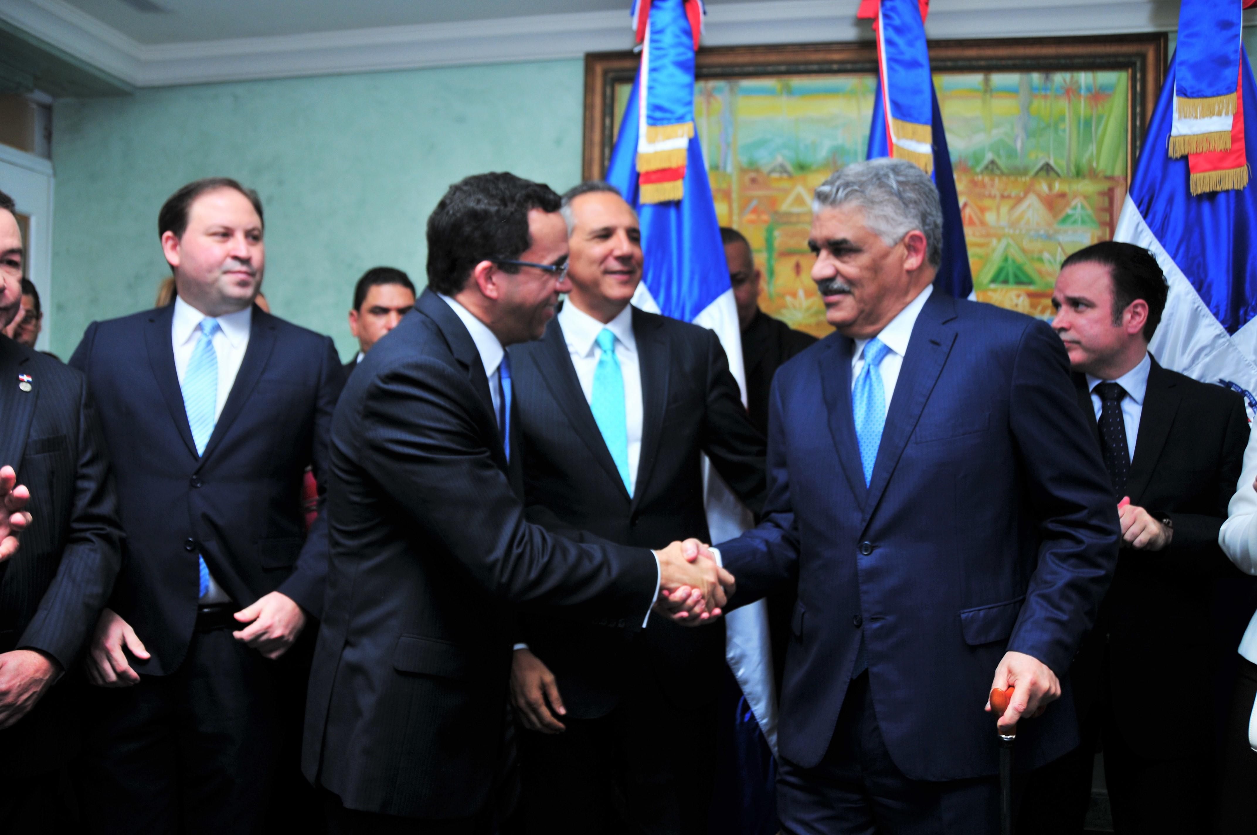 Miguel Vargas asume como ministro de Relaciones Exteriores
