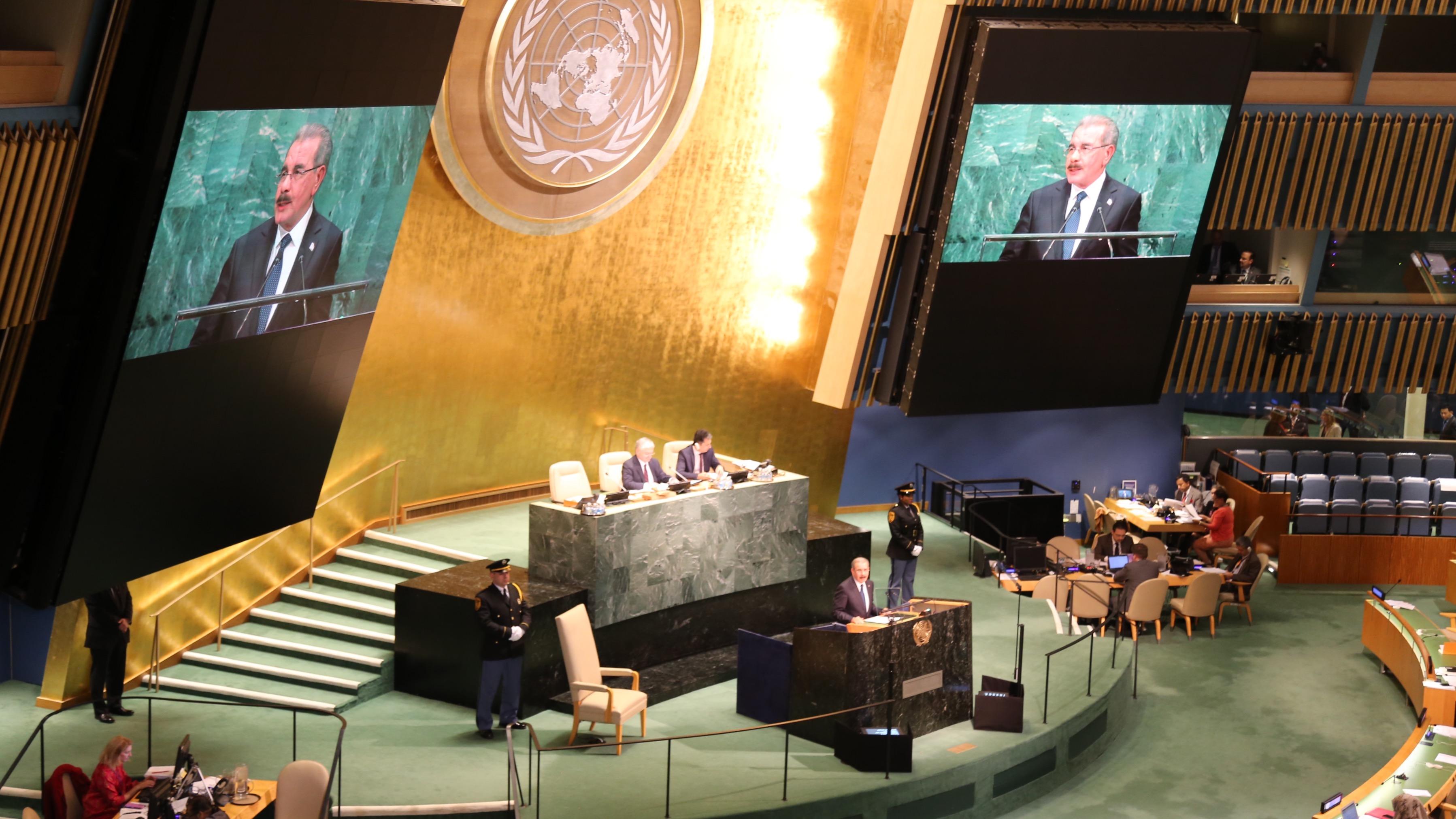 Danilo: relaciones entre países ricos y pobres debe cambiar; llama humanizar economía