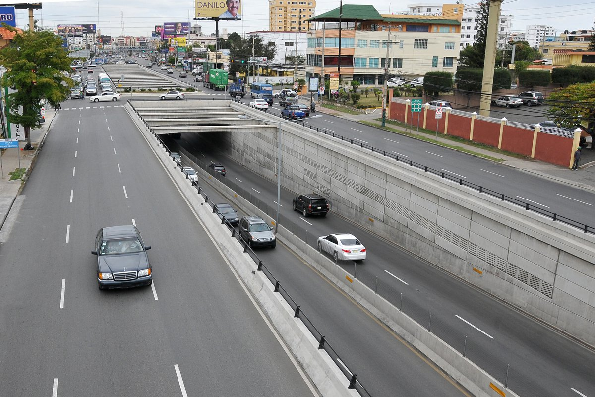 Obras Públicas cerrará túneles y elevados a partir de mañana por mantenimiento