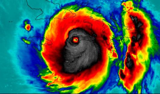 Esta es la imagen del huracán Matthew cuando entraba a Haití