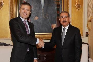 Medina recibe al presidente de Altice Dominicana; empresa apoyará República Digital