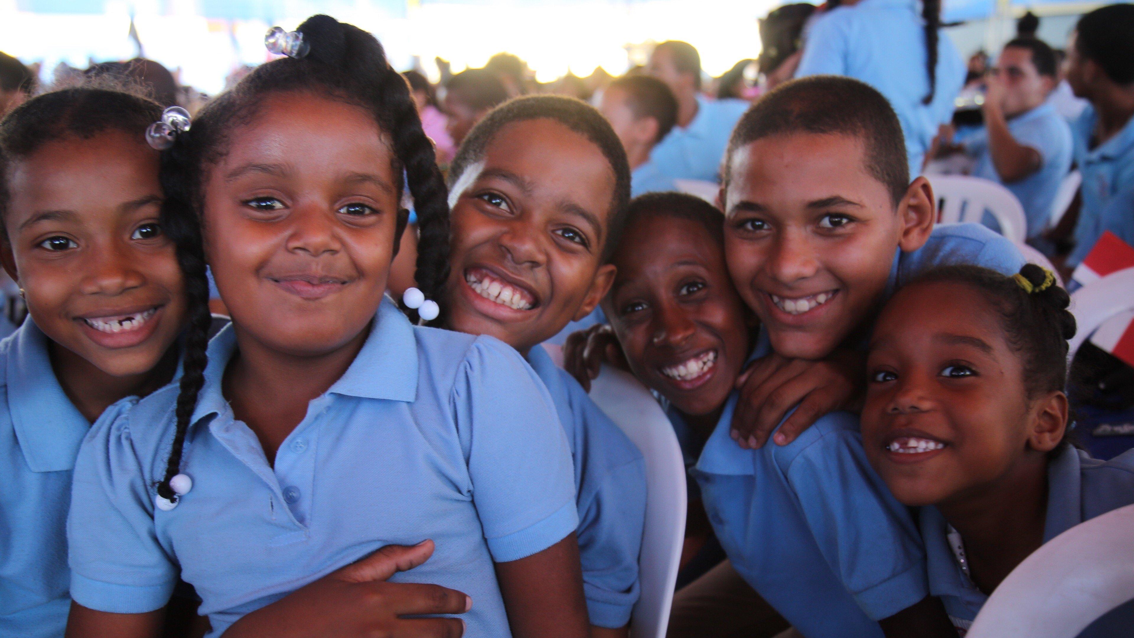 Medina inaugura dos escuelas y una estancia infantil