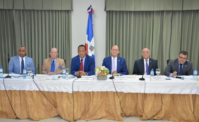 Senado escoge ternas para conformación de la Junta