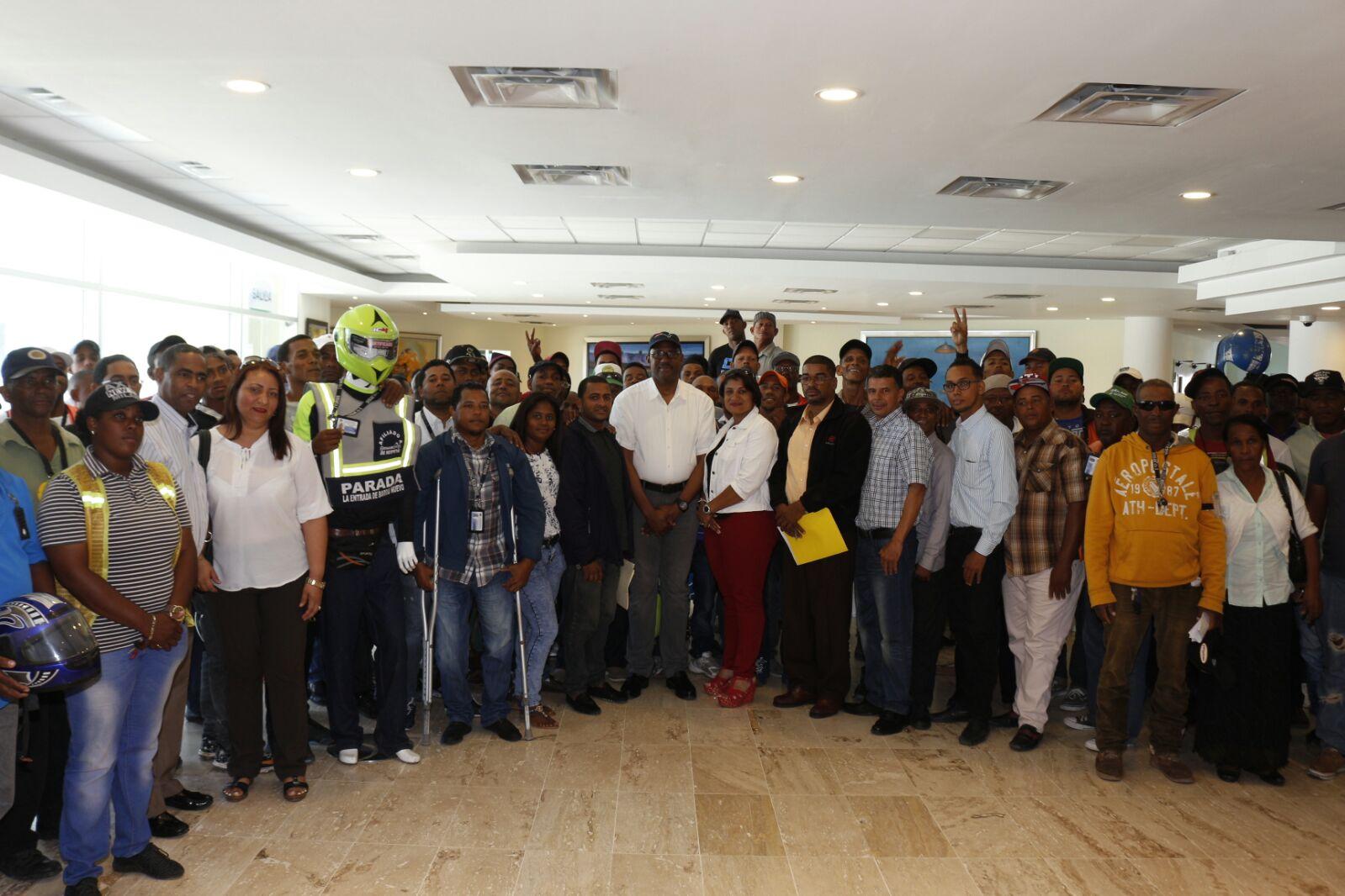 Alcalde y motoconchistas contribuirán a garantizar seguridad ciudadana