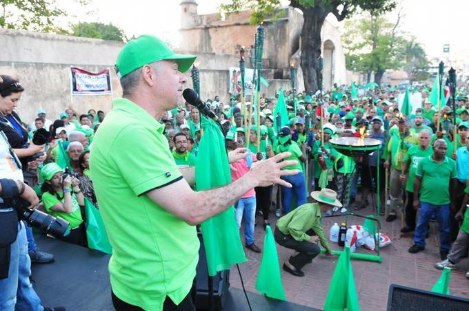 Encienden llama verde en concierto