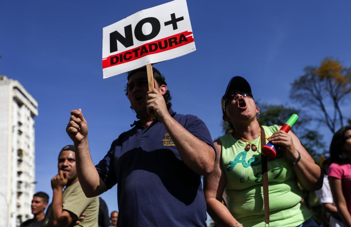 Venezolanos protestan en Caracas y otros estados en rechazo al Supremo