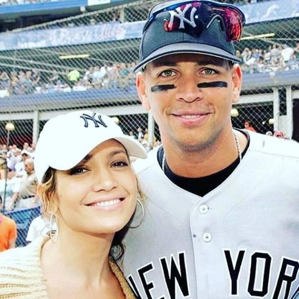 Amigos de Jennifer López dan detalles sobre su romance con Alex Rodríguez  Read more here: http://www.elnuevoherald.com/entretenimiento/article137404248.html#storylink=cpy