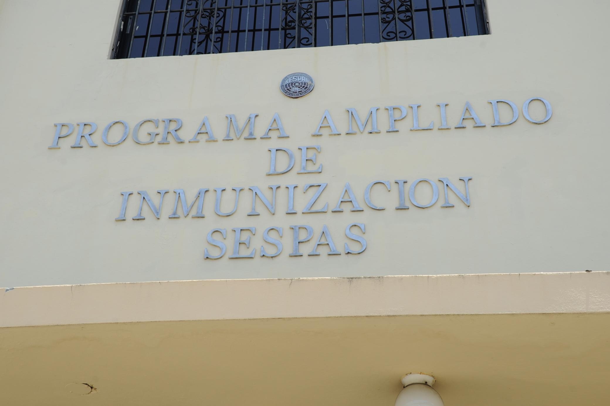 Afirma solo exigen vacuna contra fiebre amarilla a viajeros  zonas de riesgo