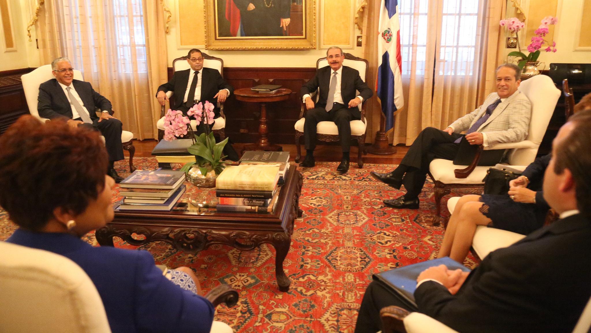 Danilo Medina encabeza reunión de Consejo Nacional de la Magistratura