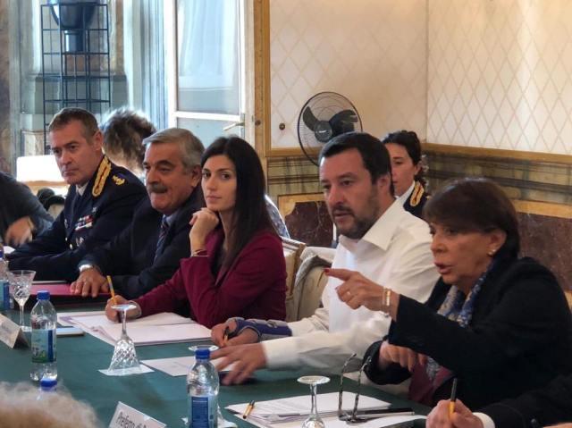 Matteo Salvini y la alcaldesa de Roma, Virginia Raggi.