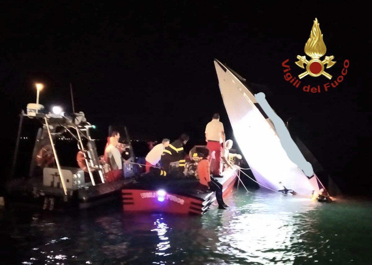 Italia: Choca lancha de carreras; 3 tripulantes mueren