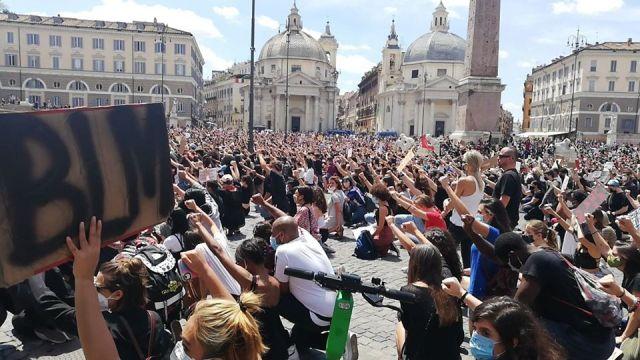 Protesta antirracista en Roma.