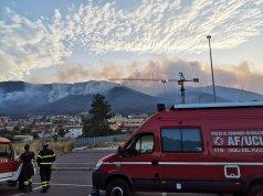 Incendios en L'Aquila (Foto: Twitter Pierluigi Biondi)