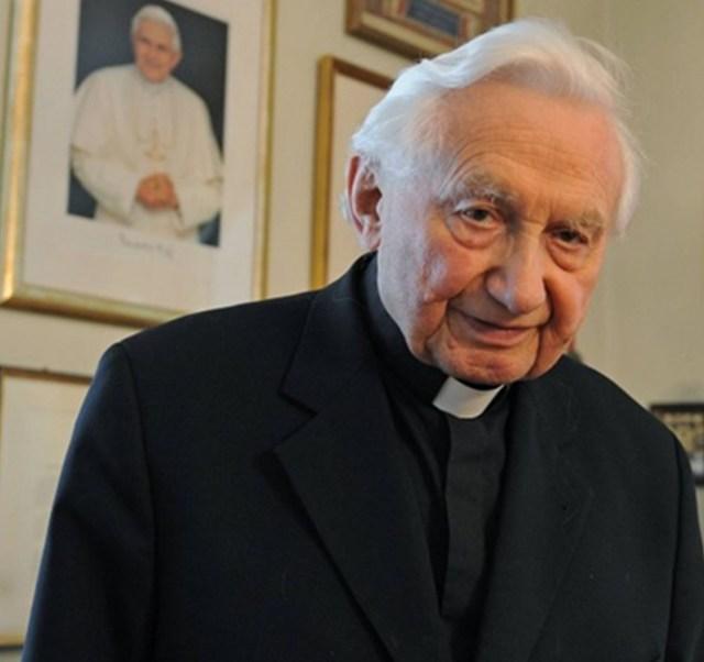 Georg Ratzinger.