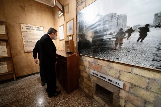 Draghi en el Museo Histórico de la Liberación.