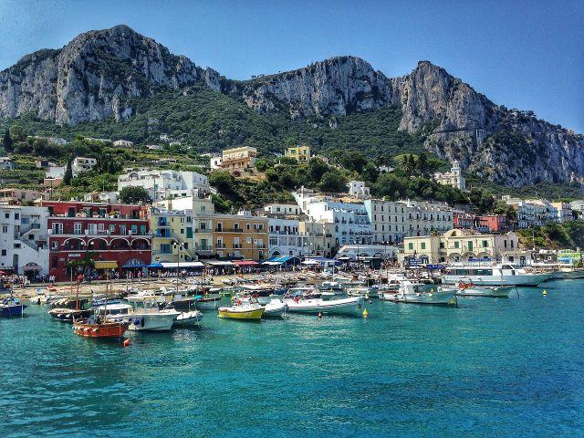 La isla de Capri (Foto: Yamen, CC BY-SA 4.0 - Archivo)