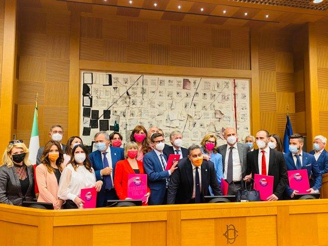 Presentación en sociedad de Coraggio Italia (Foto: Twitter Giovanni Toti)
