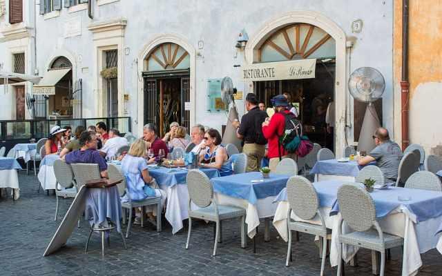 Un restaurant en Roma (Foto: Pxfuel - Archivo)