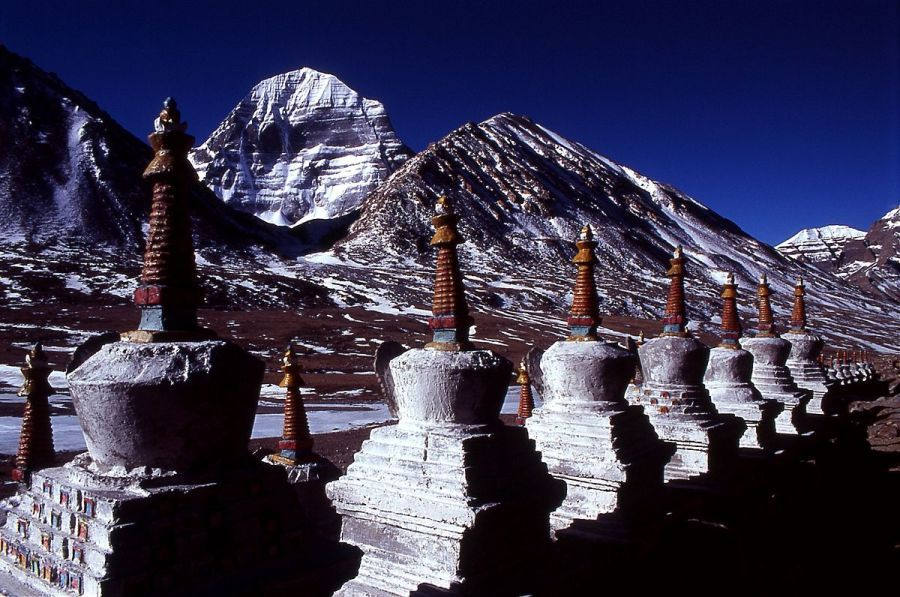Chortens_and Mount Kailash