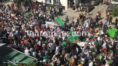 تظاهرات في الجزائر تطالب بتنحي بوتفليقة