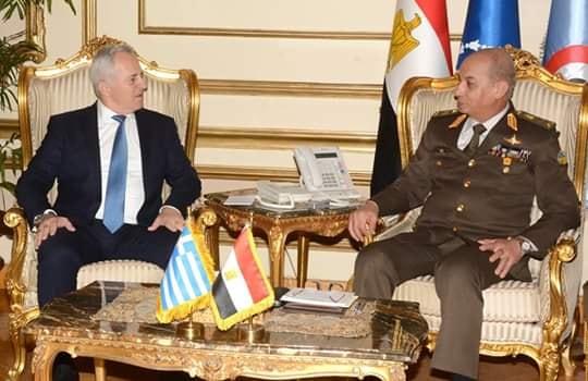 وزير الدفاع والإنتاج الحربى يلتقى وزير الدفاع اليونانى …