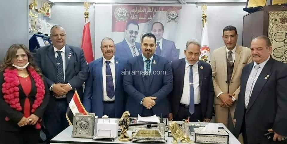 « النائب رمضان إمام » رئيسآ شرفيآ لمركز السلام والمجلس الوطني بمحافظة الإسماعيلية
