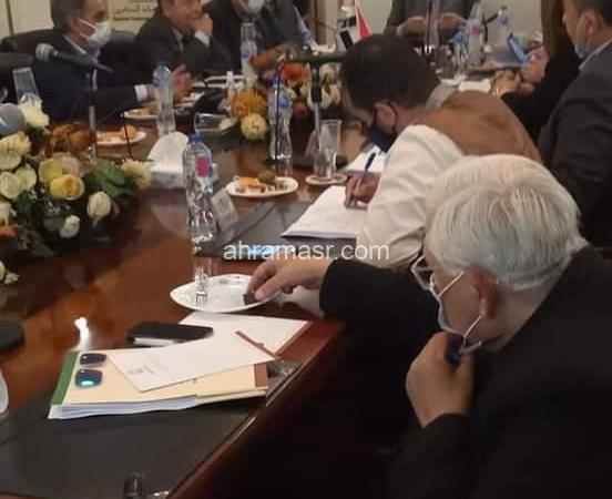 هلال :يطالب جمعيات المستثمرين بتوفير تبرعات أسبوعيًا لصندوق تحيا مصر