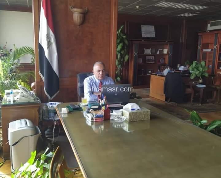 """عبد العاطى """" إتخاذ كافة الإجراءات اللازمة لضمان أداء وكفاءة سير العمل بكافة إدارات الرى والصرف على مستوى الجمهورية"""
