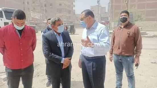 محافظ الشرقية يتفقد أعمال الرصف والتطوير بطريق ميدان الشهيد أحمد المنسي بمنيا القمح