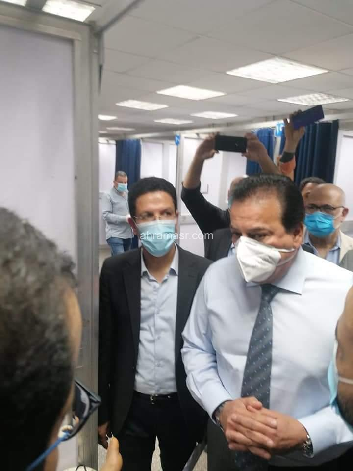 عبد الغفار يتفقد مستشفى بنها للاطمئنان على مصابي قطار طوخ ويوجه بتوفير الرعاية الصحية