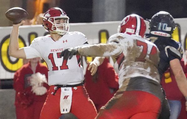 Tyson Directs Hewitt-Trussville to Dramatic Come-from-Behind Win over James Clemens