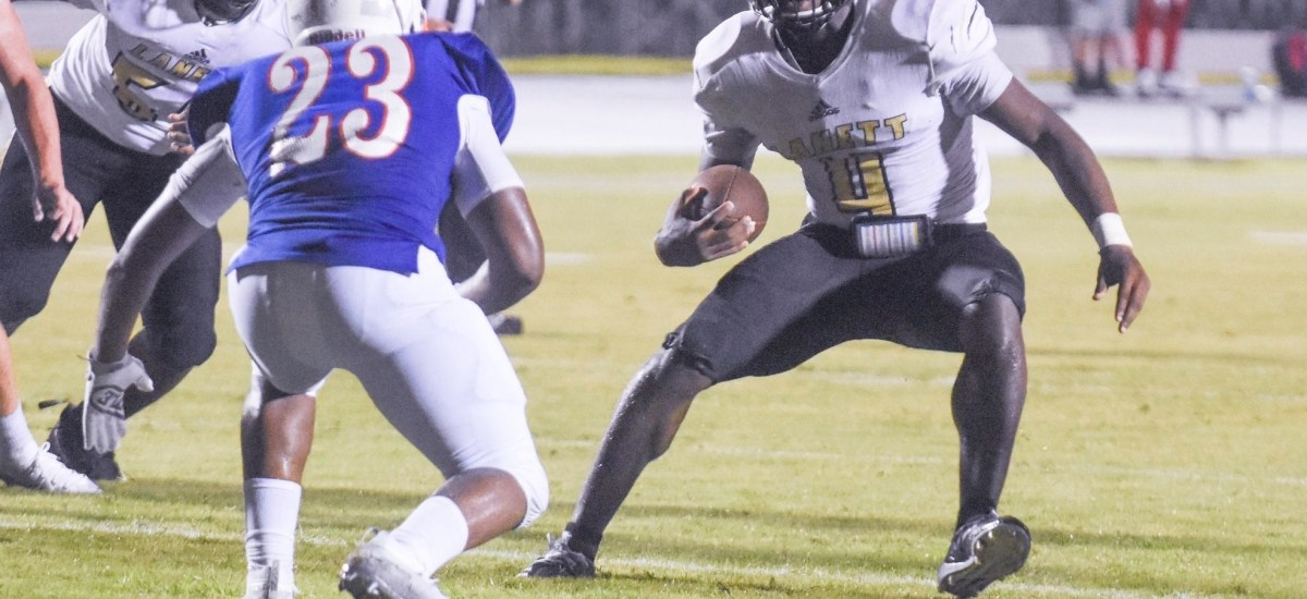 Kristian Story Accounts for 5 TDs as Lanett Beats Elba 44-6 in the Class 1A State Playoffs