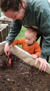 atelier plantation a la micro creche de chazelles
