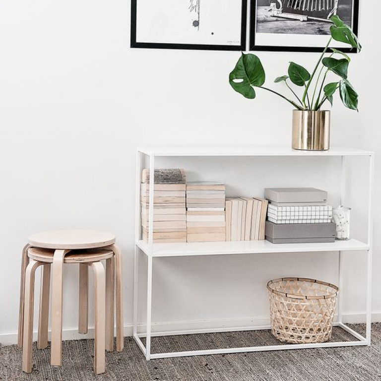Domo console table