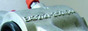 На алюминиевых корпусах перед- них тормозных цилиндров сохра- нена ВАЗовская маркировка