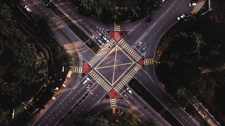 MIT LAB Moral Machine Experiment對於自駕車道德設定的啟發