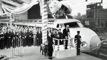 Emperor Shōwa cuts the ribbon on Japan 's first bullet train