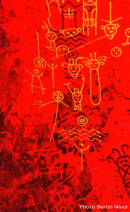 Petroglyphur -Bertin Nivor laque polyuréthanne thermodurcissable sur bois - 2000- photo Robert Charlotte