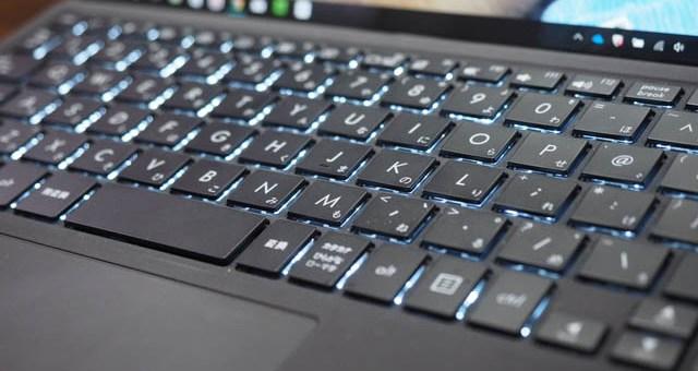 MacBook 2017とSurface ProとTransBookデタッチャブル